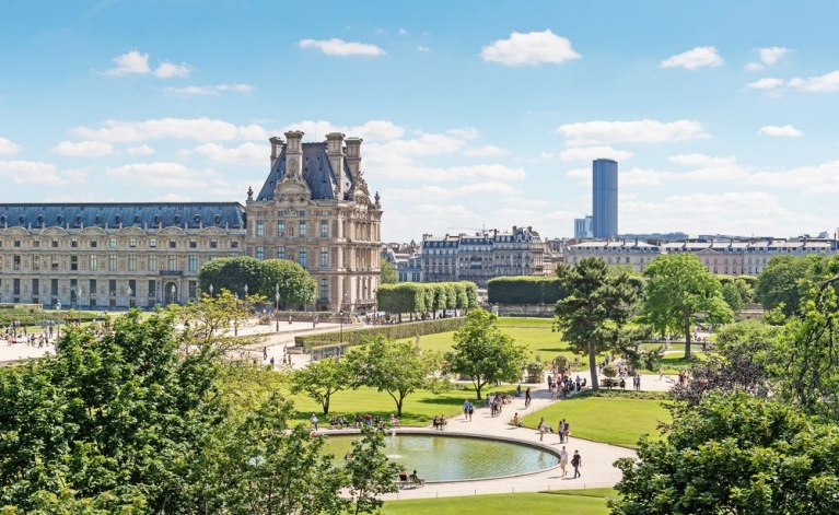Louvre and Tuileries garden 2
