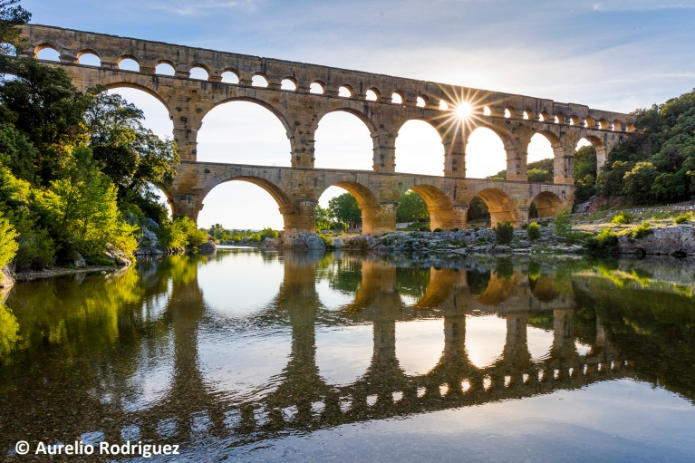 Pont du Gard aqueduct bridge France Light_AurelioRodriguez