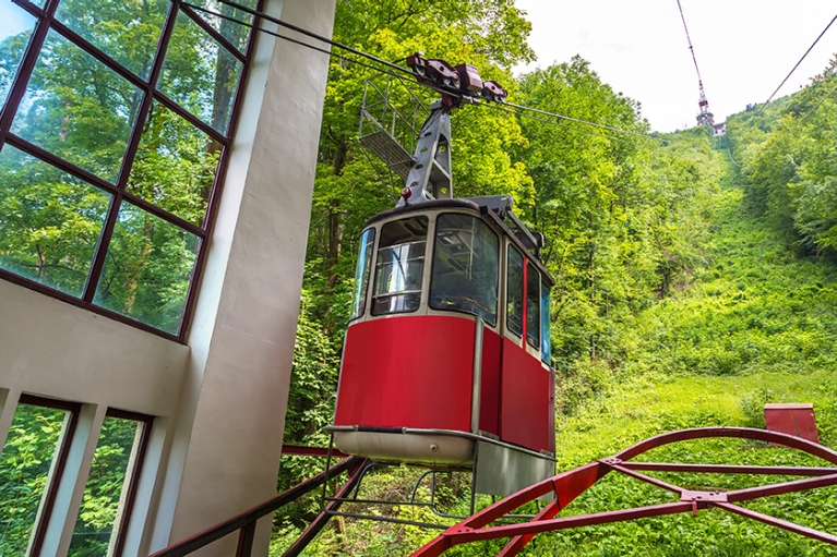 Cable car up Mount Tampa, Brasov