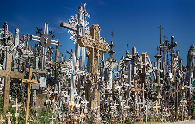 Hill_of_crosses_lithuania_sm