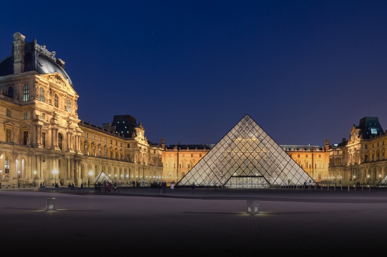 Louvre_Museum_night_crop