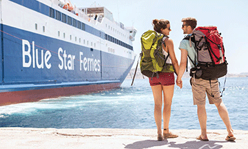 backpackers-travellers-waiting-for-their-ferry-bluestar-ferries