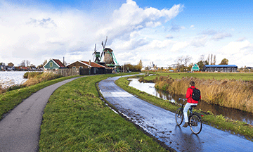 cycling-in-the-netherlands-zaanse-schans-windmills
