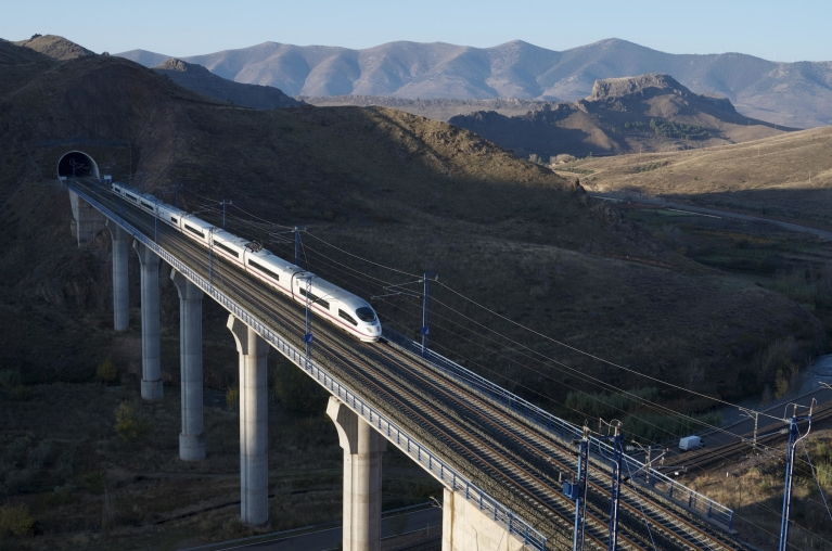 ave_high-speed_train_crossing_bridge_saragossa_spain
