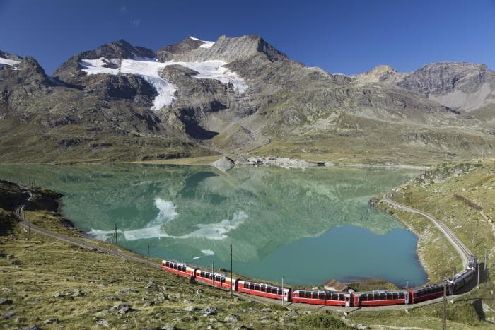 bernina_express_by_mountains_and_lake