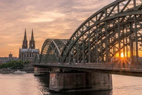1 week in Germany | Cologne cathedral and bridge at sunset
