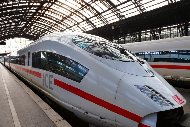 high_speed_train_ice_germany