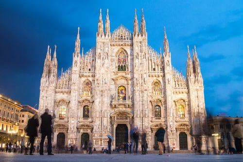 1 week in Italy | Milan Cathedral at nightfall