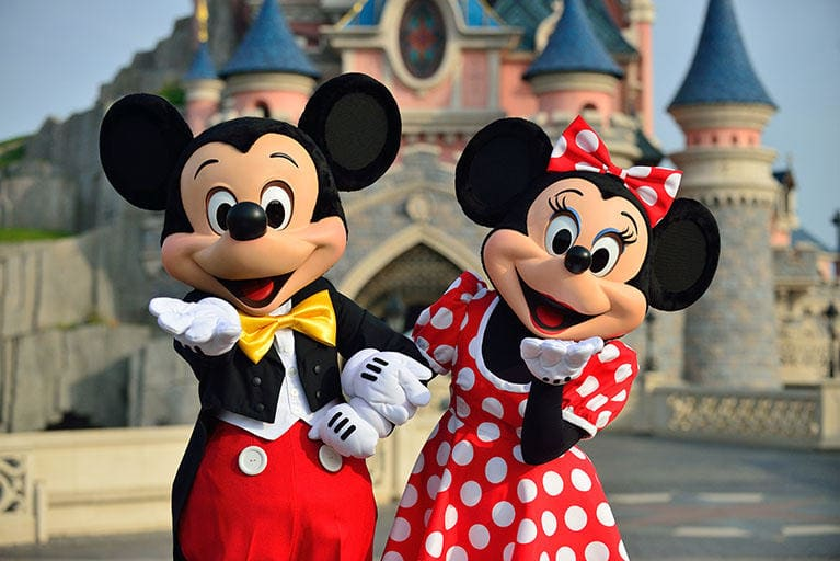 Enjoy the magic at Disneyland Paris! ©Disney