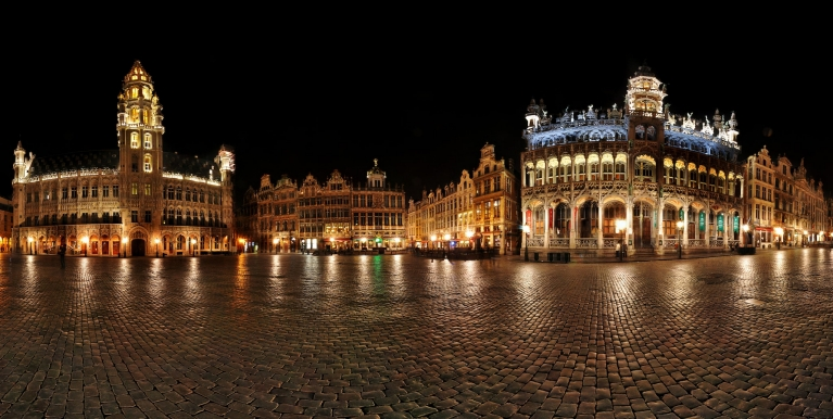 Night panorama of the Grand Place in Brussels