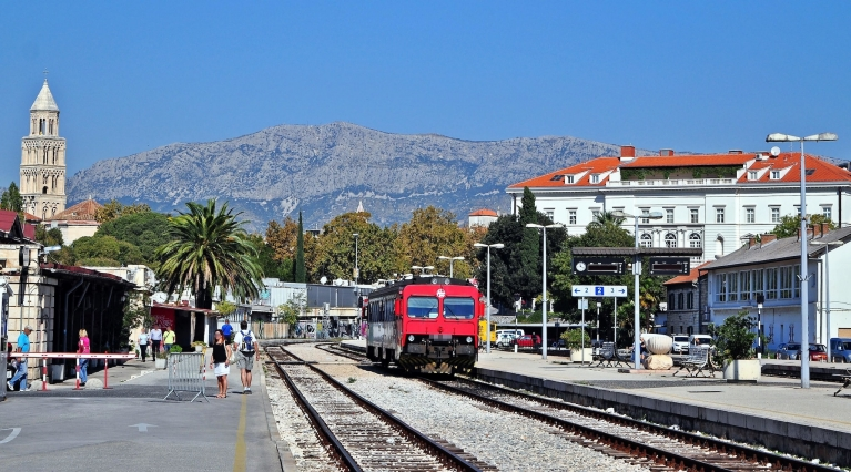 Croatia Train