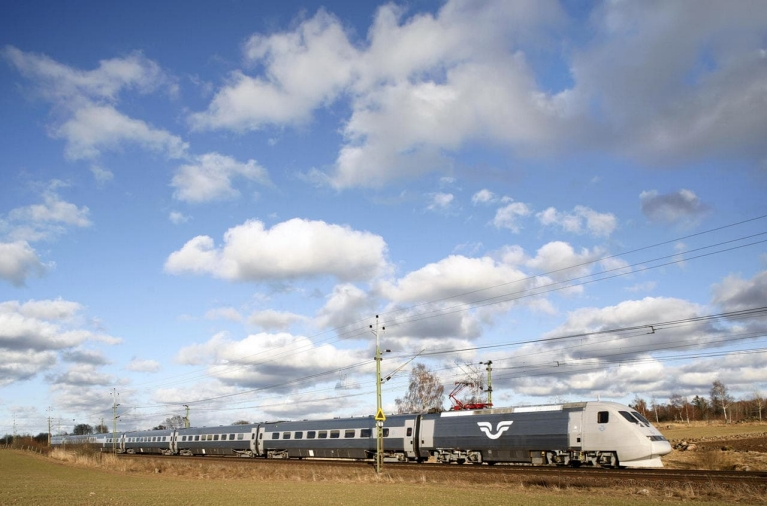 sj_high-speed_train_sweden
