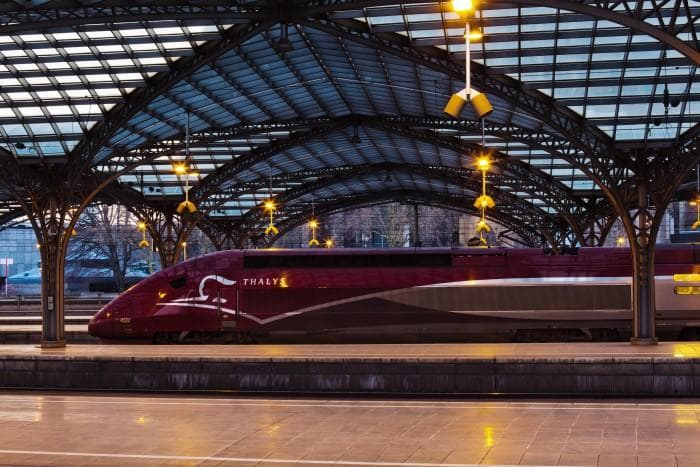 thalys_high-speed_train_at_platform_cologne