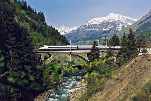 high_speed_train_cisalpino_switzerland_-_italy_-_germany_72dpi_1280x857px_e_nr-542