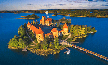 lithuania-vilnius-trakai-castle-on-the-water