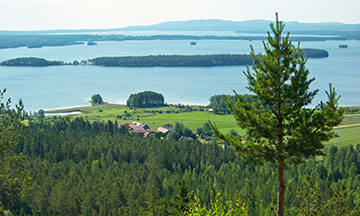 sweden-nature-smaland-lake-view