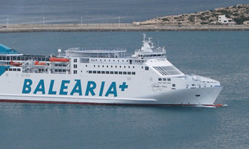 balearia-boat-in-harbour